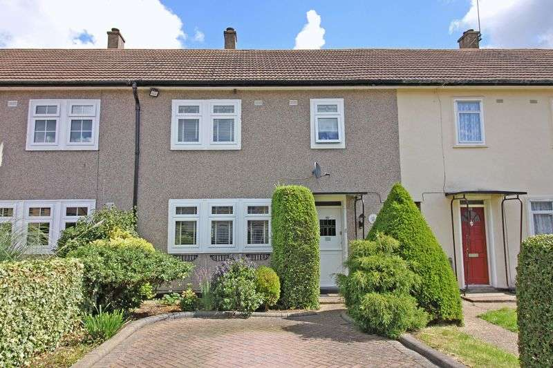 3 Bedrooms Terraced House for sale in Cleland Path, Loughton