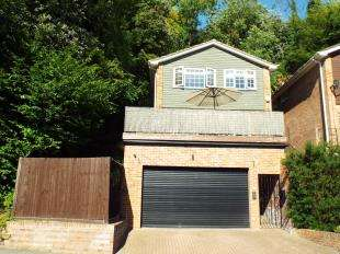 4 Bedrooms Detached House for sale in The Grove, Biggin Hill, Westerham