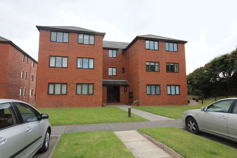 2 Bedrooms Flat for sale in Park Drive, Liverpool