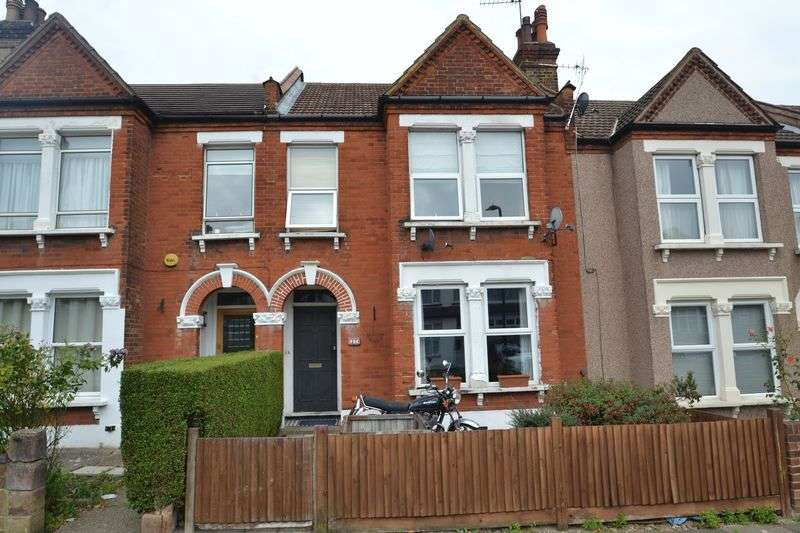 3 Bedrooms Flat for sale in Worbeck Road, London