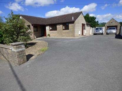 2 Bedrooms Bungalow for sale in Paulton Road, Hallatrow, Bristol, Somerset