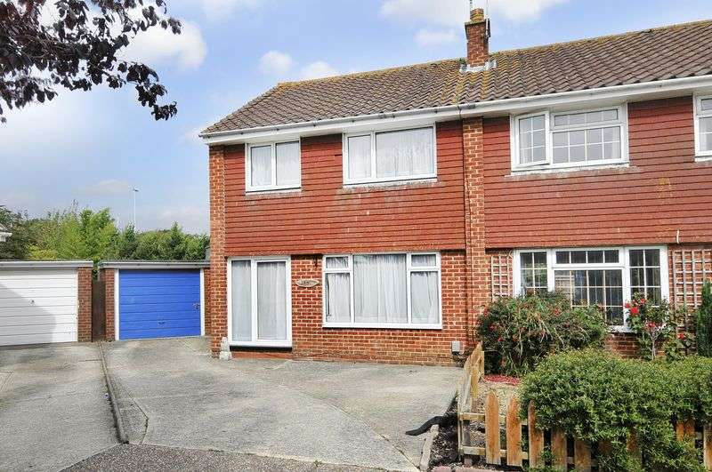 3 Bedrooms Semi Detached House for sale in Harting Close, Worthing