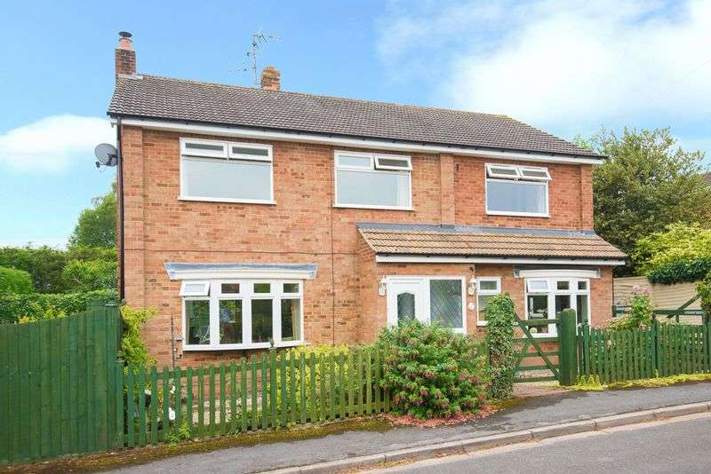 4 Bedrooms Detached House for sale in Chearsley