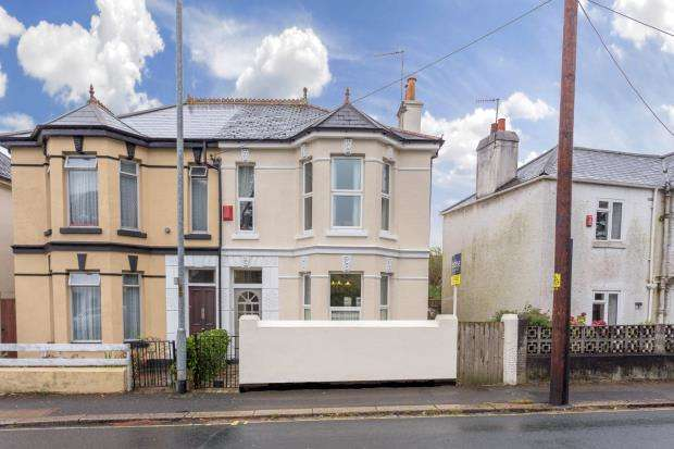 3 Bedrooms Semi Detached House for sale in St Stephens Road, Saltash, Cornwall