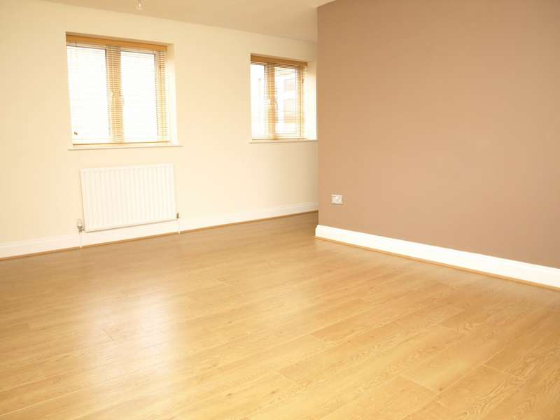 2 Bedrooms Apartment Flat for sale in High Street, Aldershot, GU11