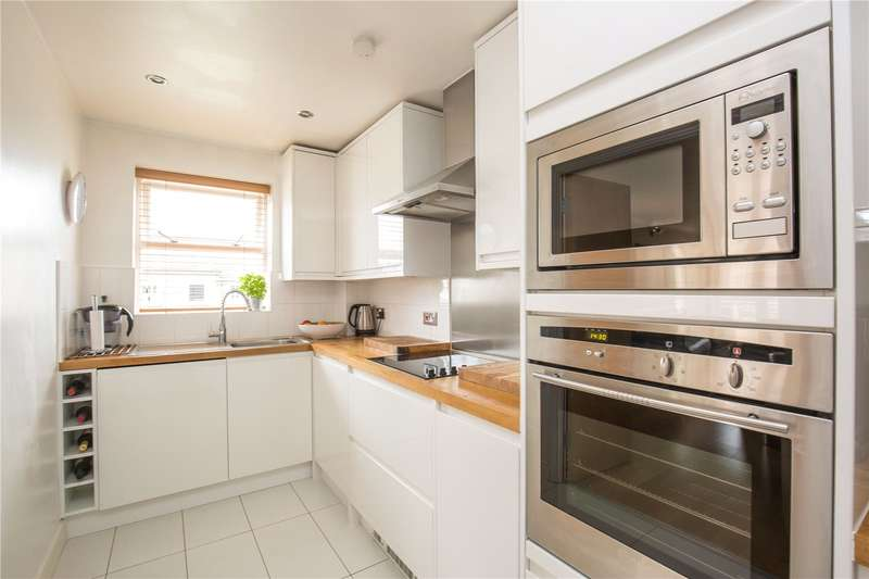 3 Bedrooms Apartment Flat for sale in Cockfosters Road, Barnet, Hertfordshire, EN4
