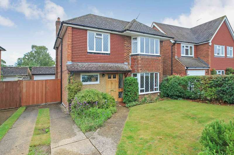 4 Bedrooms Detached House for sale in Grove Park, Tring