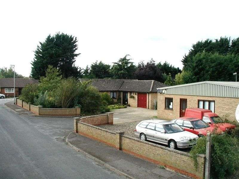 3 Bedrooms Detached Bungalow for sale in Century Way, March, Cambridgeshire