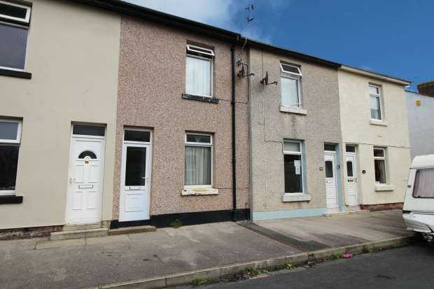 1 Bedroom Terraced House for sale in Victoria Street, Fleetwood, Lancashire, FY7 6EJ