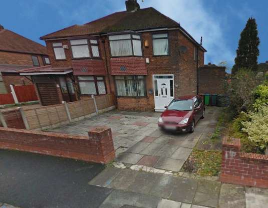 3 Bedrooms Semi Detached House for sale in Broomfield Crescent, Manchester, Greater Manchester, M24 4FW