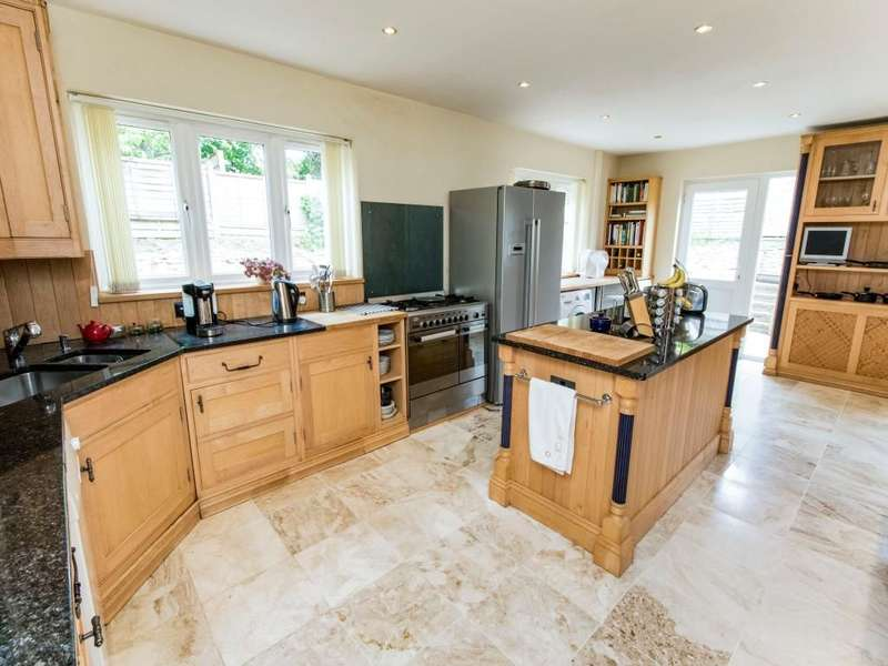 5 Bedrooms Detached House for sale in A Grantham Road, Waddington, Lincoln, LN5