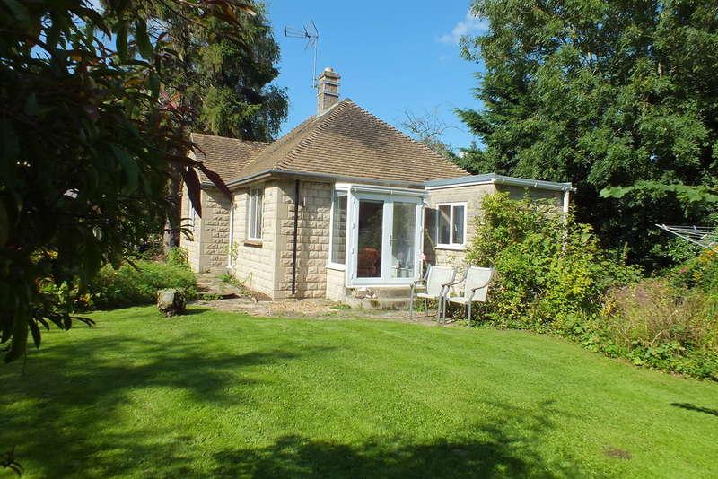 2 Bedrooms Detached Bungalow for sale in Ashton Keynes