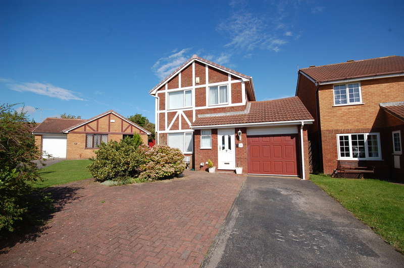 4 Bedrooms Detached House for sale in Geldof Drive, Blackpool