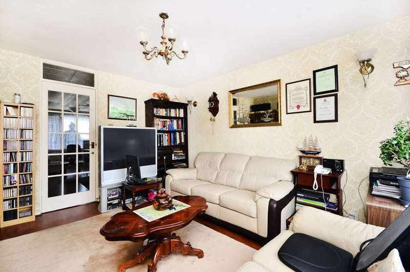 3 Bedrooms Maisonette Flat for sale in Crossway, Stoke Newington, N16