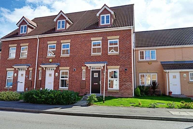 3 Bedrooms Terraced House for sale in Haweswater Way, Kingswood