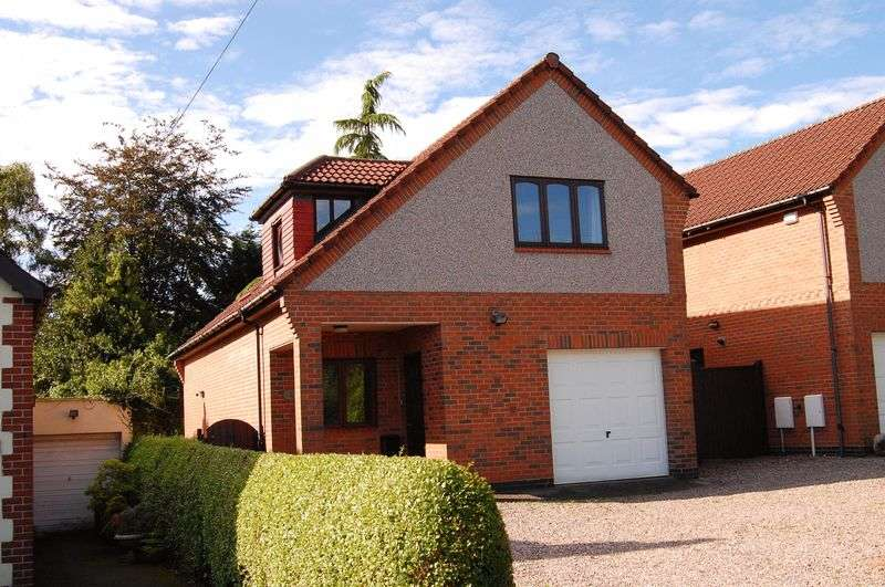 4 Bedrooms Detached House for sale in Sandy Lane, Tettenhall, Wolverhampton