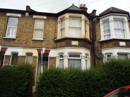 2 Bedrooms Flat for sale in London, Leytonstone, London