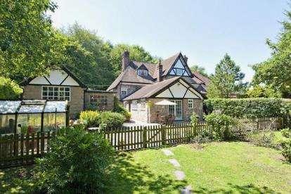 4 Bedrooms Semi Detached House for sale in Denbigh Road, Nannerch, Mold, Flintshire, CH7
