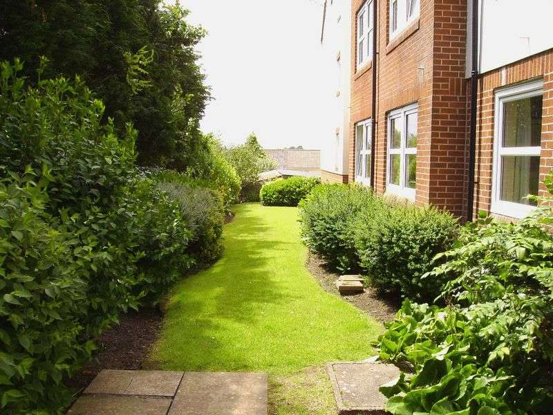 1 Bedroom Retirement Property for sale in Homelace House, Honiton, EX14 1AA