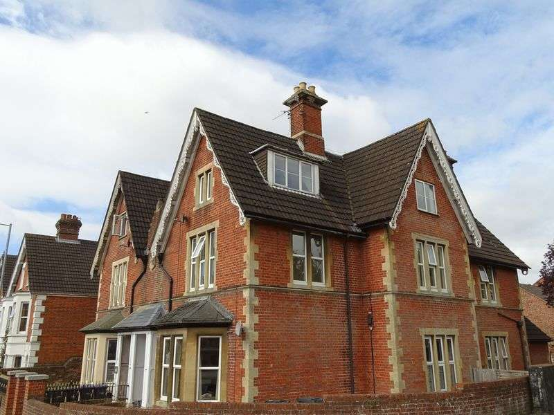 1 Bedroom Flat for sale in Estcourt Road, Salisbury