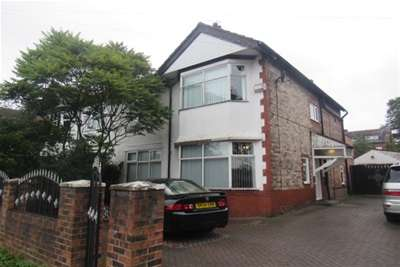 6 Bedrooms House for rent in Woodlands Road, Whalley Range, M16