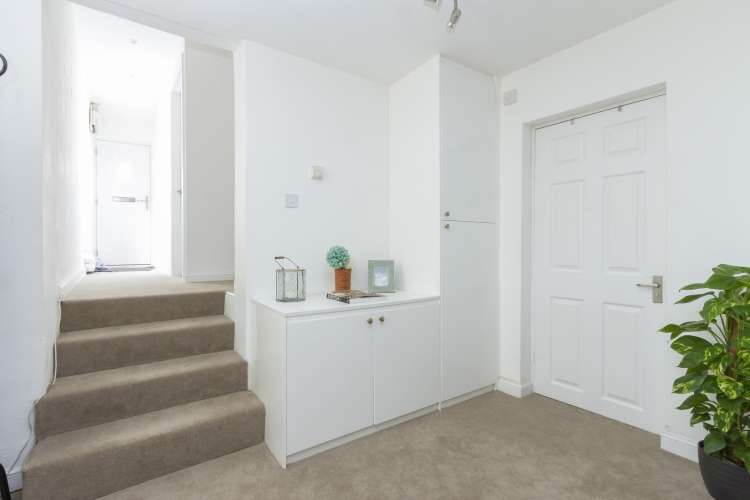 3 Bedrooms Flat for sale in Shardeloes Road New Cross SE14