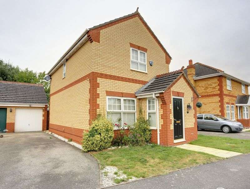3 Bedrooms Detached House for sale in Cranwells Way, Lt Thetford