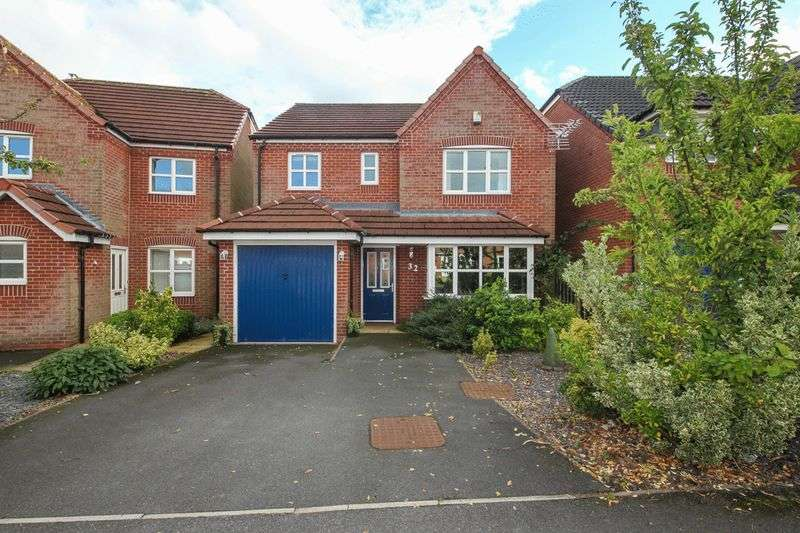4 Bedrooms Detached House for sale in Holcroft Drive, Abram