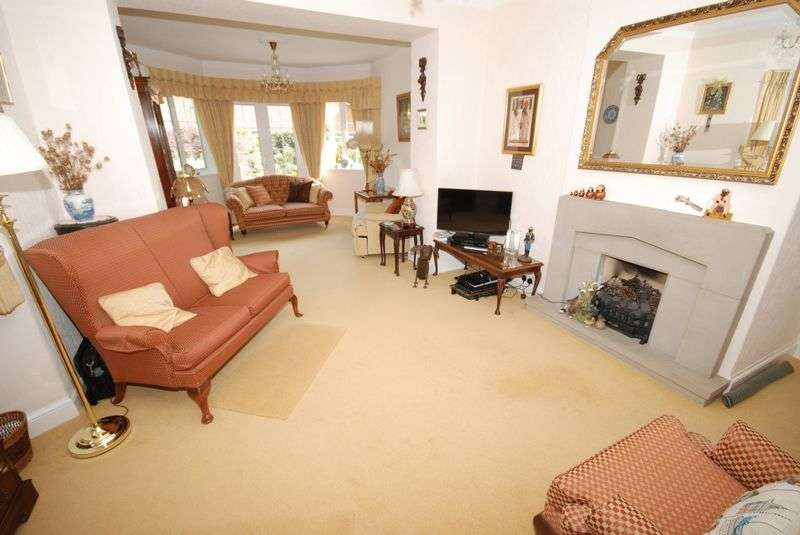 3 Bedrooms Detached Bungalow for sale in Styles Hill, Frome