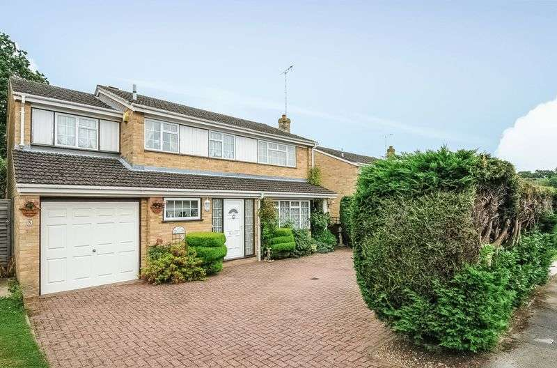 4 Bedrooms Detached House for sale in Northbrook Road, Reading