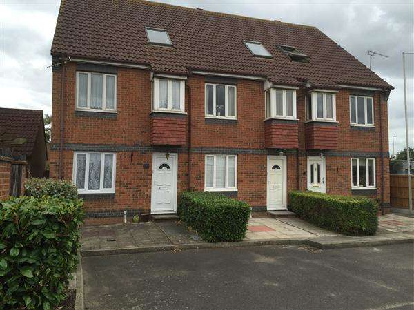 1 Bedroom Apartment Flat for sale in Rutley Close, Harold Wood