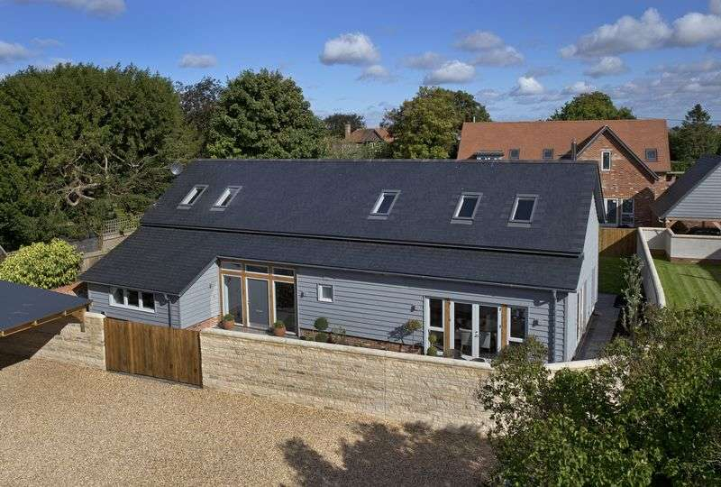 4 Bedrooms Cottage House for sale in Timber Barn, Church Farm, West Hanney