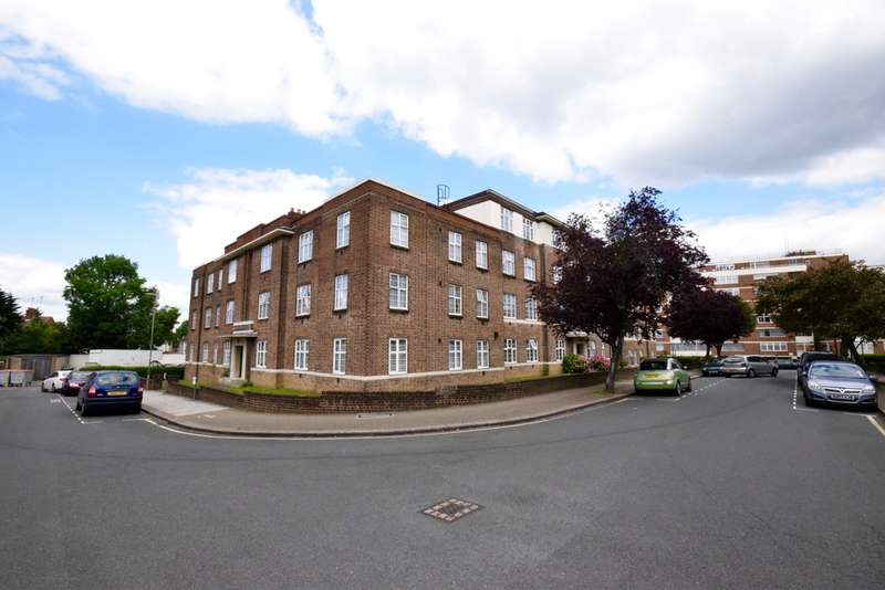 3 Bedrooms Flat for sale in WINDSOR COURT, GOLDERS GREEN ROAD, London, NW11