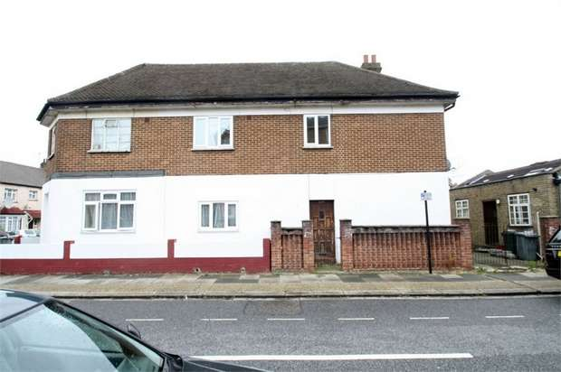 4 Bedrooms Terraced House for rent in Caledon Road, East Ham, London