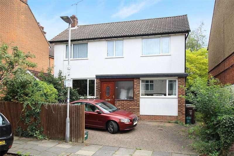 4 Bedrooms Detached House for sale in Carlisle Avenue, St. Albans, Hertfordshire, AL3