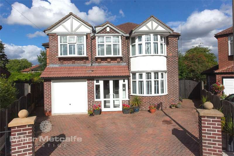 5 Bedrooms Detached House for sale in Sidmouth Avenue, Urmston, Manchester