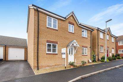3 Bedrooms Detached House for sale in Newton Abbot, Devon