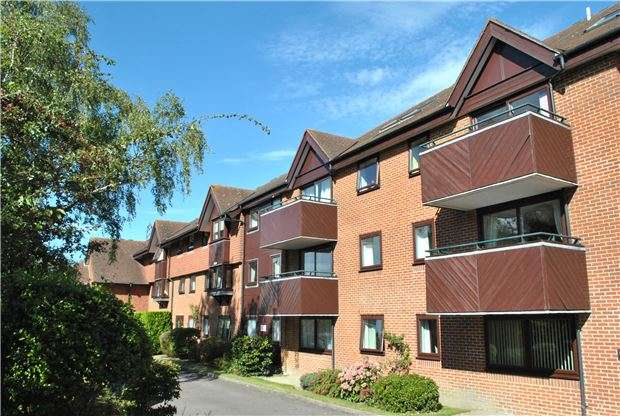2 Bedrooms Flat for sale in St. Philips Court, Sandhurst Road, TN2 3SW
