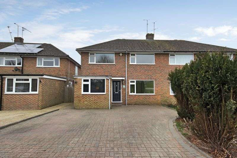 4 Bedrooms Semi Detached House for sale in Fairway, Copthorne, West Sussex