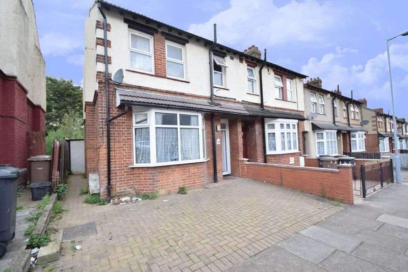4 Bedrooms Semi Detached House for sale in St. Catherines Avenue, Luton