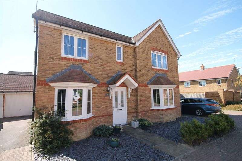 4 Bedrooms Detached House for sale in Badger Close, Hassocks, West Sussex,