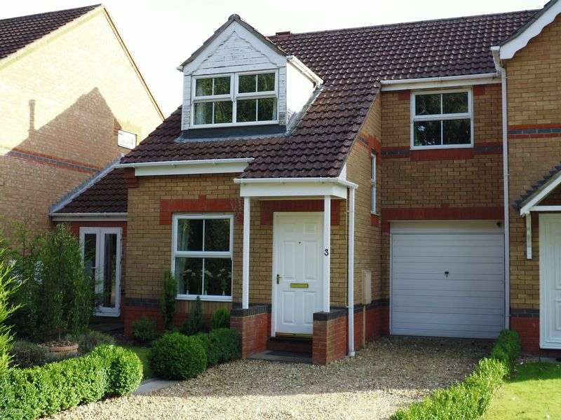 3 Bedrooms Semi Detached House for sale in Fox Covert, South Hykeham