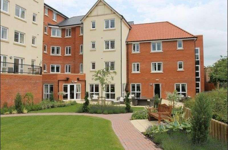 1 Bedroom Flat for sale in Cross Penny Court, Cotton Lane, Bury St. Edmunds