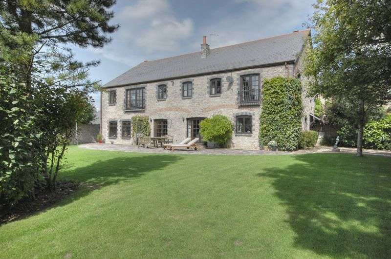 5 Bedrooms Property for sale in The Grange, Penmark, Vale of Glamorgan, CF62 3BP