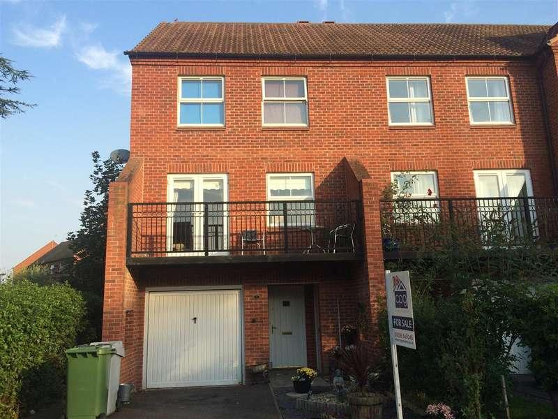 3 Bedrooms Town House for sale in Cormack Lane, Fernwood, Newark