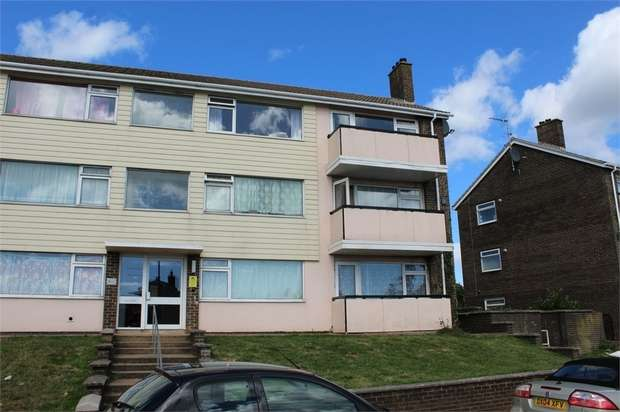 3 Bedrooms Flat for sale in Lichfield Avenue, Torquay, Devon