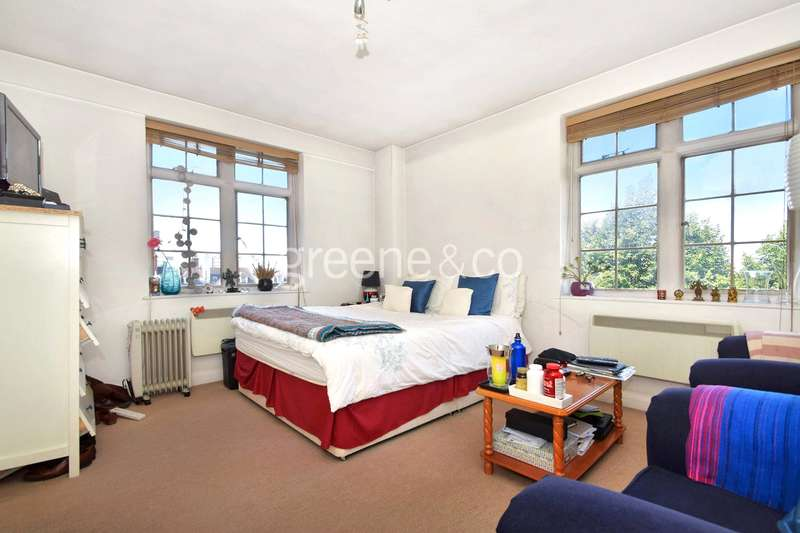 Flat for sale in Abbey Road, St Johns Wood, London, NW8