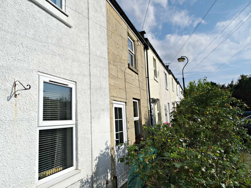 2 Bedrooms Terraced House for sale in Albert Terrace, Bath