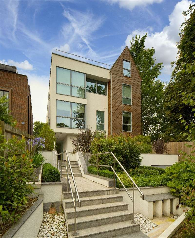 3 Bedrooms Property for sale in West Heath Road, Hampstead, NW3