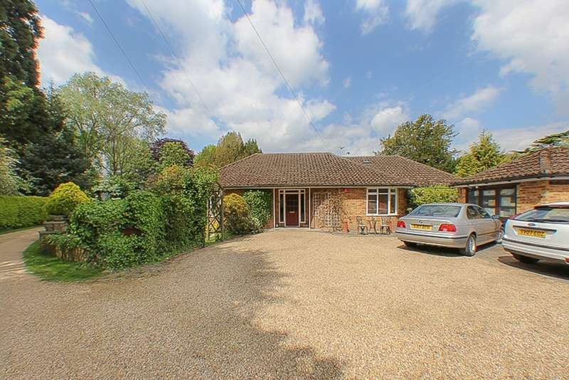 3 Bedrooms Bungalow for sale in Greenway Drive, Laleham, Staines-upon-Thames, Surrey, TW18